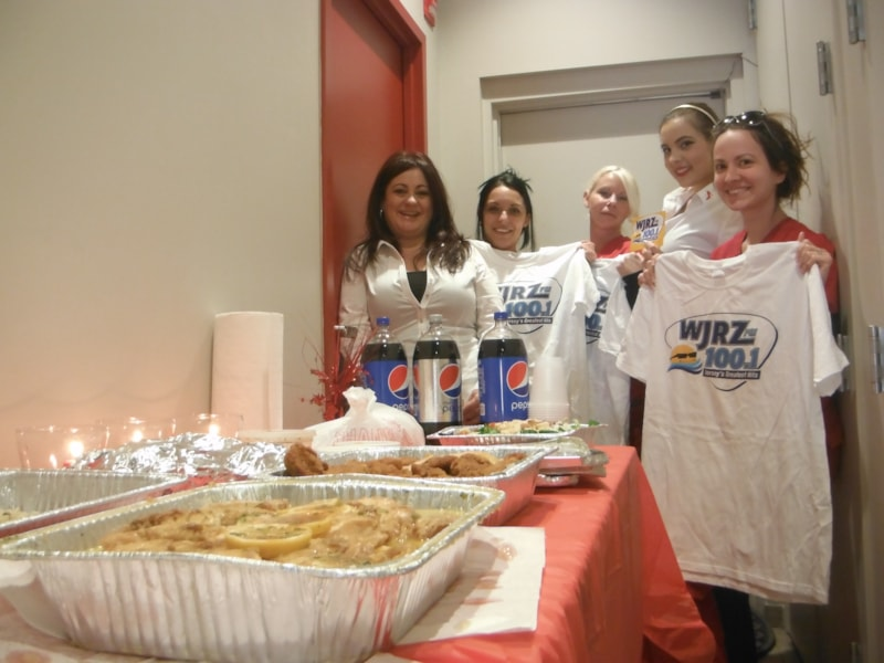 Tammi Santori and the girls from European Wax Center in Brick enjoy FREE Lunch from Bum Rogers Crabhouse