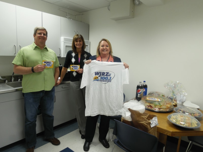 Joanne Morrison and the Point Pleasant Police Department enjoy FREE Lunch from Mulberry Street