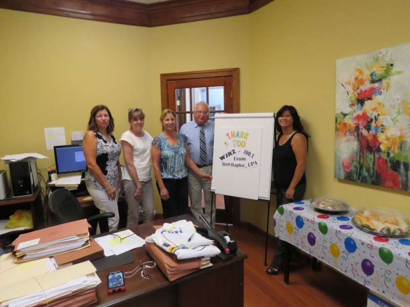 Kryztal Smetana and staff from Ron Rapka CPA in Brick enjoy FREE Lunch from Mulberry Street