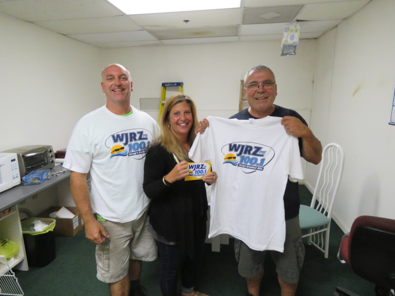 Vincent Muti and staff from Jersey Wholesale Tire in Toms River enjoy FREE Lunch from Bum Rogers Crabhouse