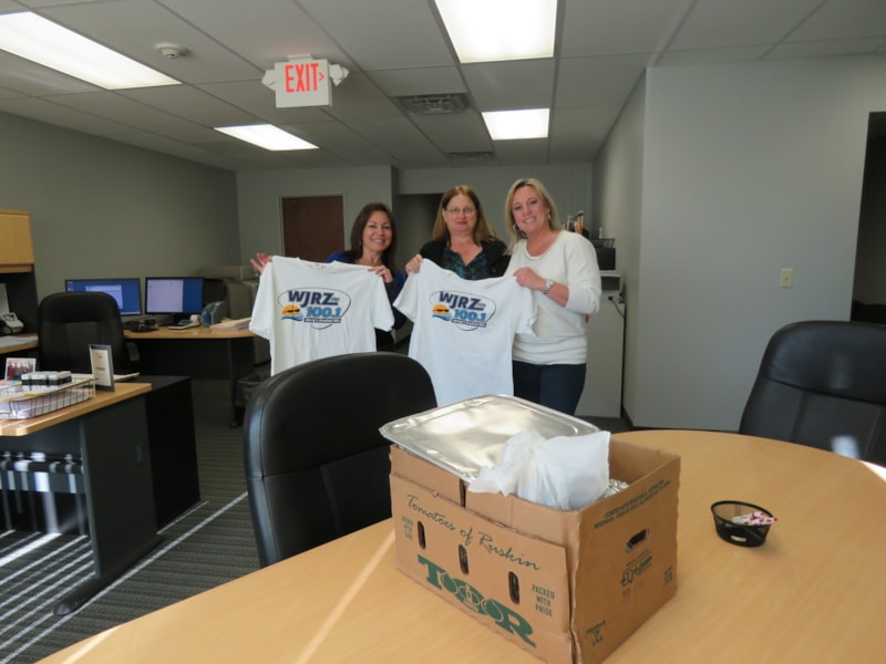 Carol Majoros and the girls from Foundation Title LLC in Toms River enjoy FREE Lunch from Bum Rogers Crabhouse