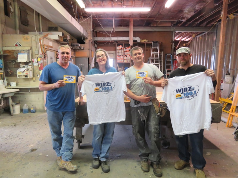 Bill Dethlefs and crew from Toms River Glass Co. enjoy FREE Lunch from Bum Rogers Crabhouse