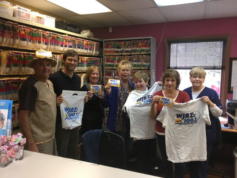 Robin Ritchie and staff from Donovan Family Foot and Ankle Center in Toms River enjoy FREE Lunch Bum Rogers Crabhouse