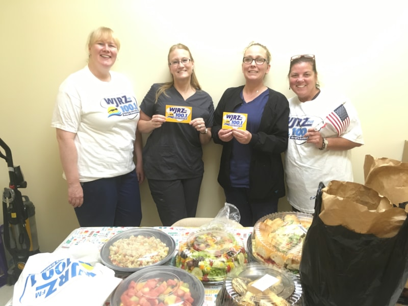 Dawn Kinsley and staff from Dalin Family Dentistry in Manchester enjoy FREE Lunch from Mulberry Street