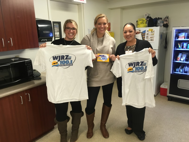 Jessica Morgan and the girls from Ocean Health Initiatives in Toms River enjoy FREE Lunch from Bum Rogers Crabhouse