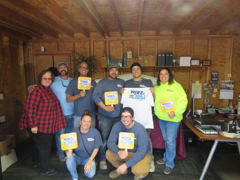 Francey Maddalena and crew from Patriot Plumbing in Toms River enjoy FREE Lunch from Bum Rogers Crabhouse