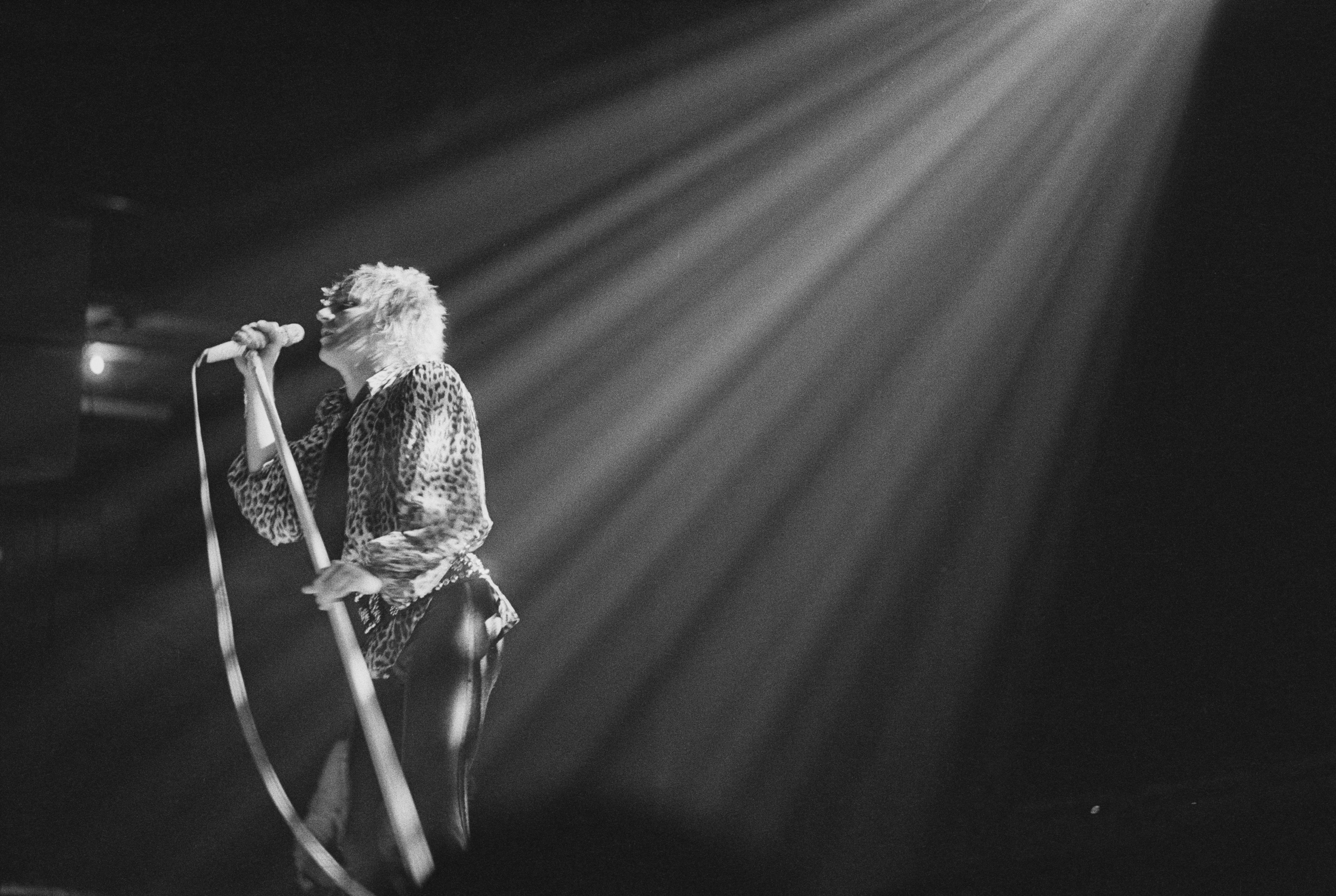British rock singer and songwriter Rod Stewart performing at the Olympia,  London, UK, 22nd December 1978. (Photo by Evening Standard/Hulton Archive/Getty Images)